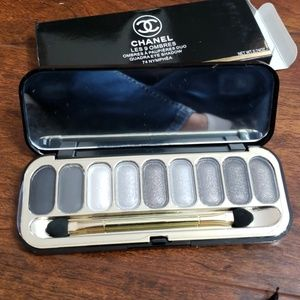 CHANEL MAKEUP PALLET NEW WITH BOX